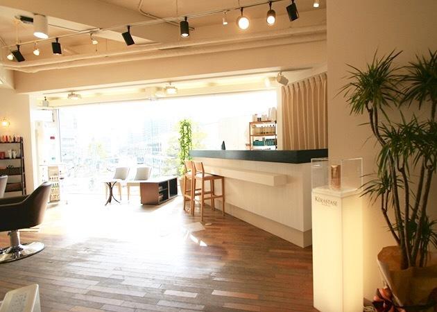 ご覧いただきありがとうございます!東大阪の美容室 フロートがなぜ人気なのか、今回はこちらで人気の秘密を五つ!お話したいと思います。ちなみに フロート小阪店は河内小阪駅の目の前にあります。